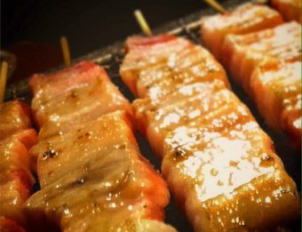 熟成ロースの串焼き